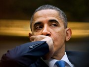 Obama-hand-on-mouth
