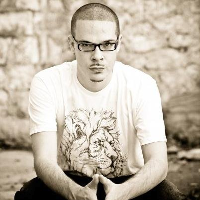 Here Are 2 Questions Shaun King Should've Immediately Answered After Being Attacked by the Right Wing